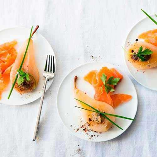 Orangengebeizter Biolachs mit Weißweinbirne und Ingwersenf